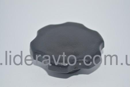 Крышка масляной  горловины,ISUZU NQR71/70  Богдан А-091/А-092 ( 8941332075 )