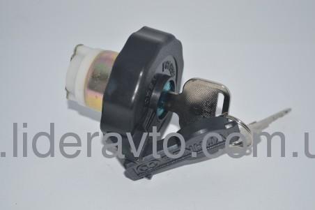 Крышка топливного бака пластик БОГДАН А-091, А-092, ISUZU NQR