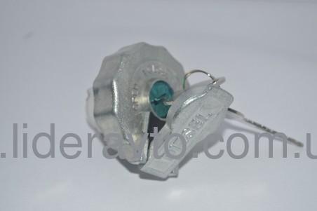 Крышка топливного бака БОГДАН А-091, А-092, Isuzu  металлическая